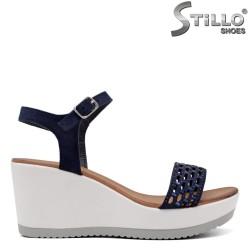 Sandale dama cu platforma inalta  de culoare albastru cu pietricele - 33266