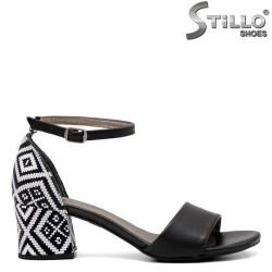 Sandale dama de culoare negru cu toc si motive etnice - 33277