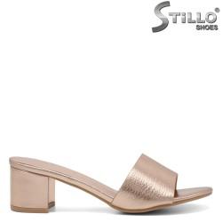 Papuci dama  de culoare aurii - 33289