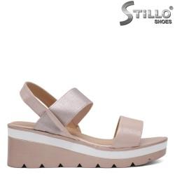 Sandale dama de culoare roz pe platforma- 33300