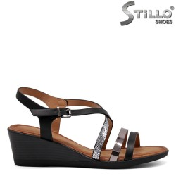 Sandale cu toc inclinat - 33306