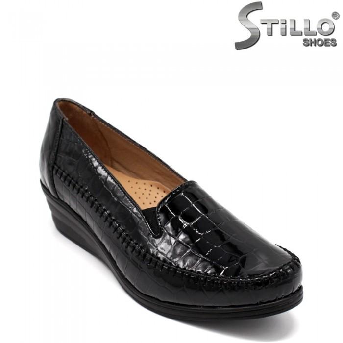 Pantofi dama din lac de culoare negru - 33359