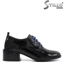 Pantofi dama din lac de culoare negru cu sireturi de culoare albastru - 33453