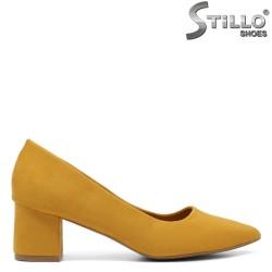 Pantofi dama de culoare galben cu toc mijlociu - 33478