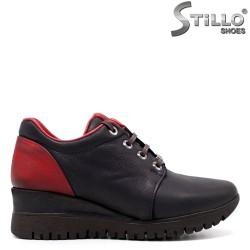 Pantofi dama sport din nubuc de culoare albastru si cu rosu la calcai.- 33549