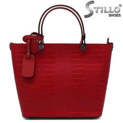 Geanta dama de culoare rosu din piele naturala - 33570