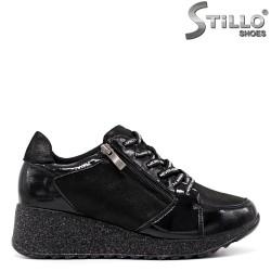Pantofi dama sport din lac si saten de culoare negru si cu sireturi - 33613