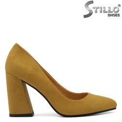 Pantofi dama din velur de culoare mustar - 33644