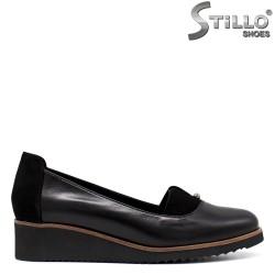 Pantofi dama din piele si velur  de culoare negru  - 33686