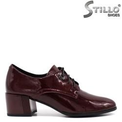Pantofi dama casual cu sireturi din lac de culoare bordeux - 33771