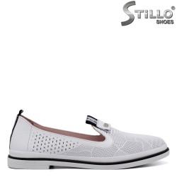 Pantofi dama din piele de culoare alb  cu perforatie - 34305