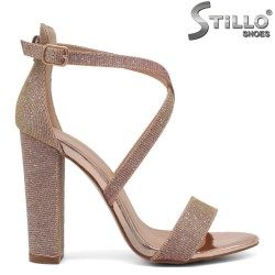 Sandale de ocazie de culoare roz cu brocat si cu toc inalt - 34385
