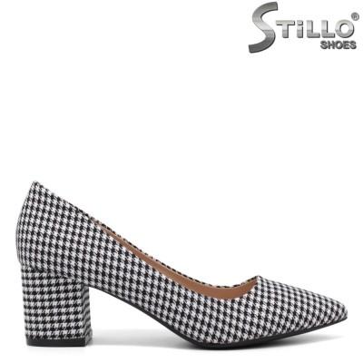 Pantofi dama de culoare pepit cu toc mijlociu - 34416