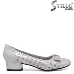 Pantofi dama cu toc jos de culoare gri perlat - 34441