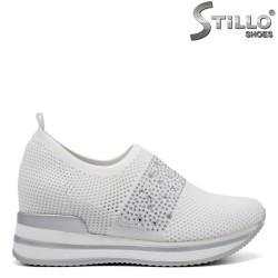 Pantofi dama sport de culoare alb cu pietricele pe platforma - 34465