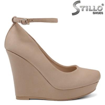 Pantofi dama eleganti de culoare bej cu platfornma inalta - 34500