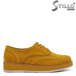 Pantofi dama din velur de culoare galben cu sireturi si perforatie - 34505