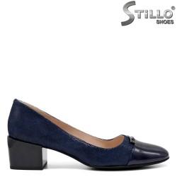 Pantofi dama de culare albastru cu toc si velur cu stampa- 34671