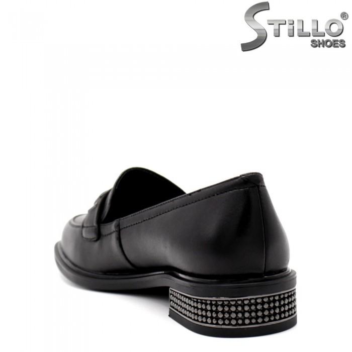 Pantofi dama cu toc jos si cu pietricele - 34678