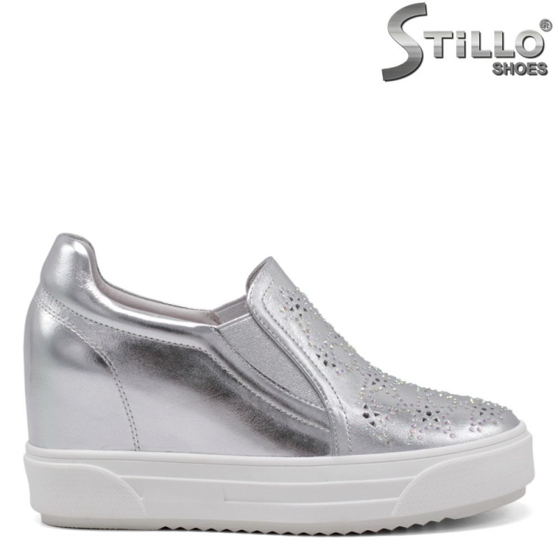 Pantofi dama sport de culoare argintiu si cu perforatie - 34699