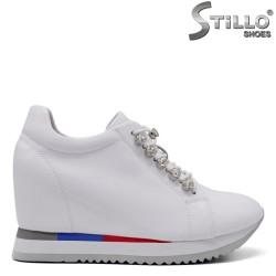 Pantofi dama sport din piele naturala si cu pietricele - 34710