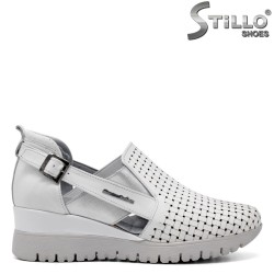 Pantofi dama din piele naturala de culoare alb si cu perforatie - 34771