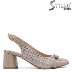 Pantofi dama de culoare bej pepit si cu toc mijlociu - 34783