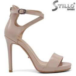 Sandale dama din lac de culoare bej si cu partea din fata decupata - 34815