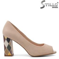 Pantofi dama din velur de culoare bej si cu toc colorat - 34883