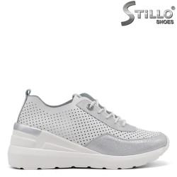Pantofi dama sport de culoare alb si argintiu si cu platforma - 34893