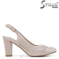 Pantofi dama de culoare bej cu toc si perforatie - 34920