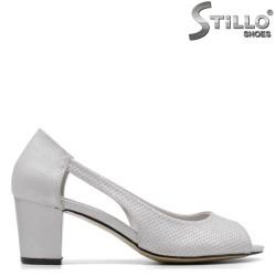 Pantofi dama decupati de culoare argintiu - 34922