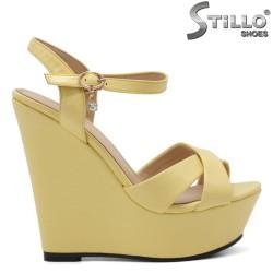 Sandale dama de culoare galben si cu platforma - 34934