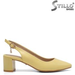 Pantofi dama de vara  de culoare galben si cu toc mijlociu - 34945