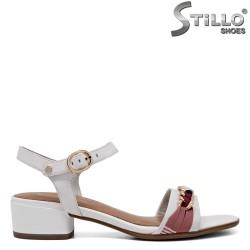 Sandale dama de culoare alb model TAMARIS cu lantisor auriu - 34950