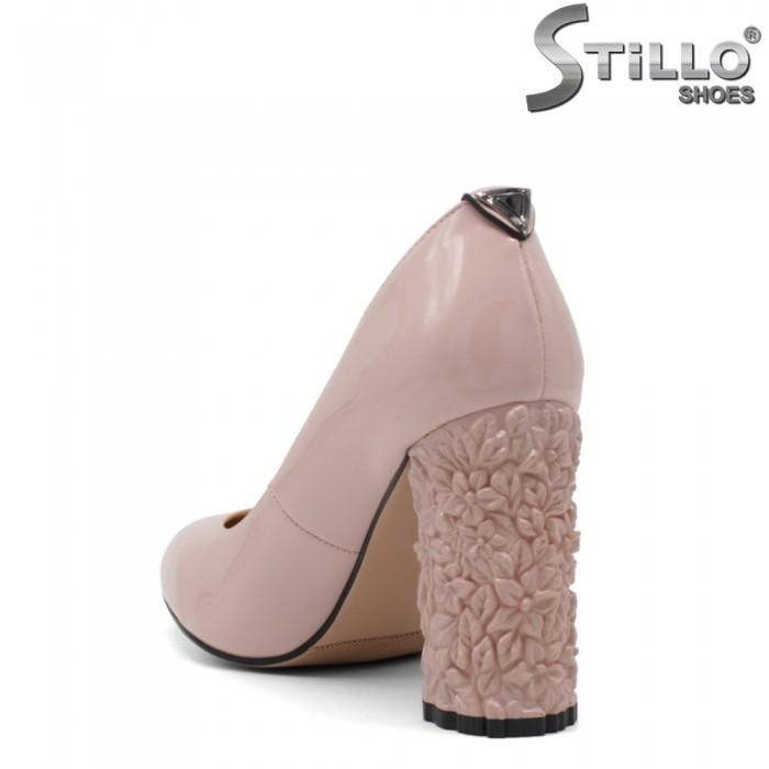 Pantofi dama din lac de culoare roz cu toc inalt reliefat - 34952