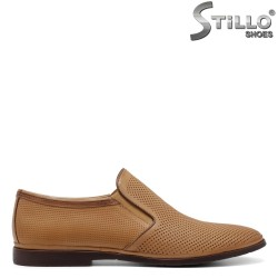Pantofi barbati de culoare maron deschis cu perforatie - 34958