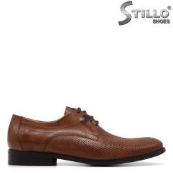 Pantofi barbati din piele de culoare maron si cu perforatie - 34961