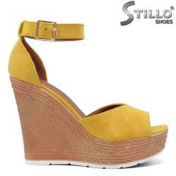 Sandale dama din velur de culoare galben si cu platforma inalta- 35024