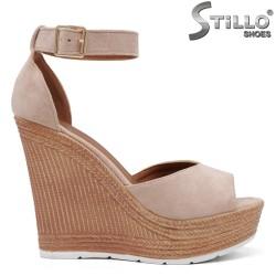 Sandale dama din velur de culoare bej cu platforma inalta - 35025