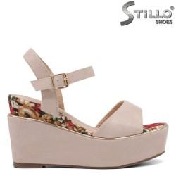Sandale dama de culoare roz cu platforma si cu margine colorata - 35034