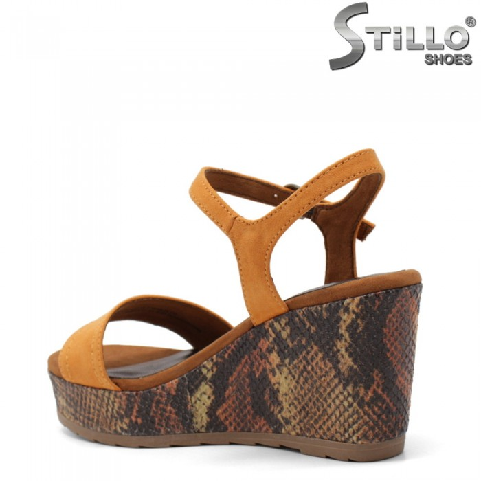 Sandale dama de culoare portocaliu cu imprimare tip sarpe - 35064