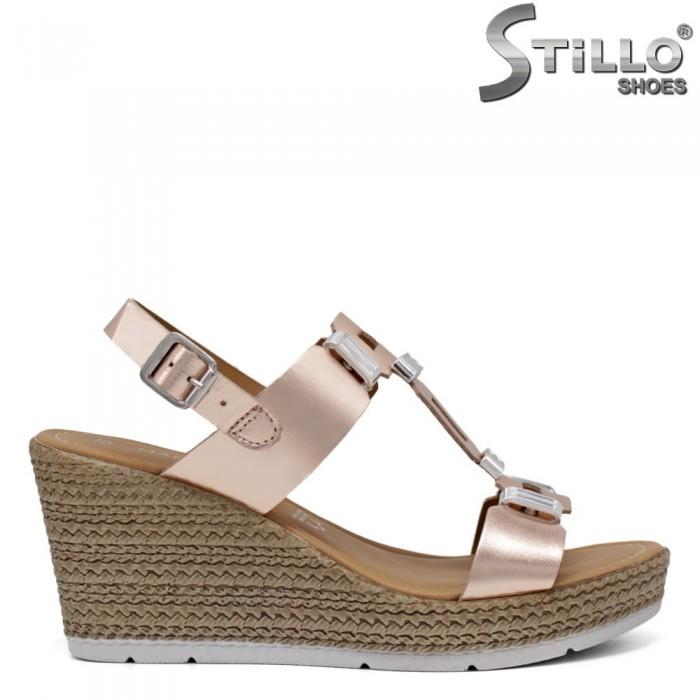 Sandale dama cu platforma de culoare roz auriu - 35117