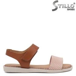 Sandale dama cu talpa dreapta de culoare roz si maron - 35234