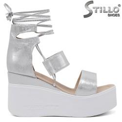 Sandale dama argintii cu platforma si cu sireturi - 35247