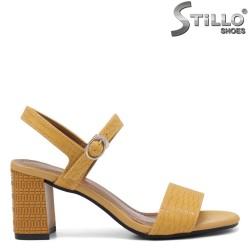 Sandale dama de culoare galben cu imprimanta croco - 35252