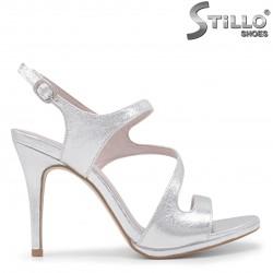 Sandale pentru absolvente asimetrice-35987