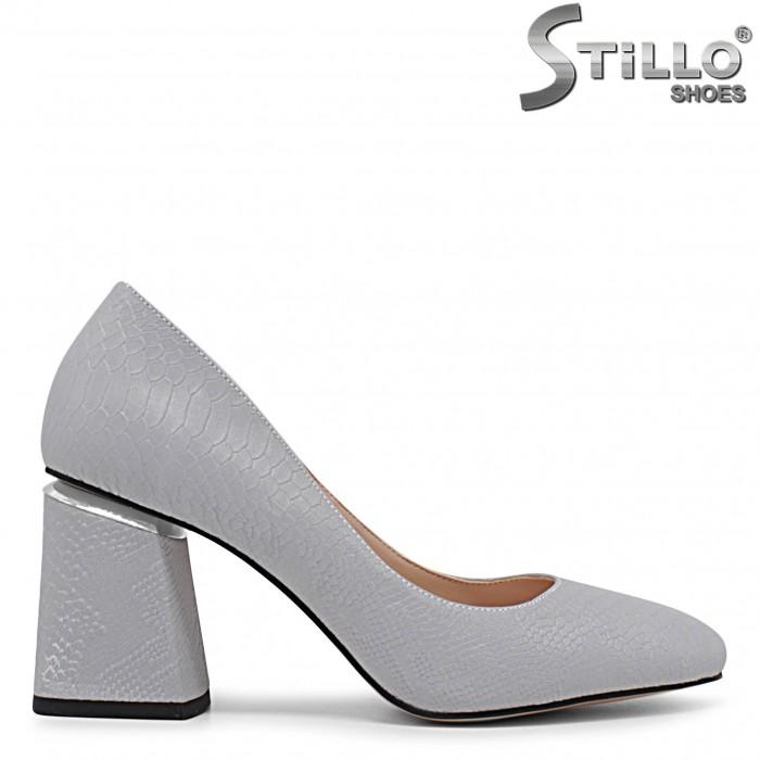 Pantofi dama de culoare gri cu toc mijlociu - 36234