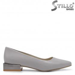 Pantofi dama eleganti de culoare gri si cu toc jos - 36289