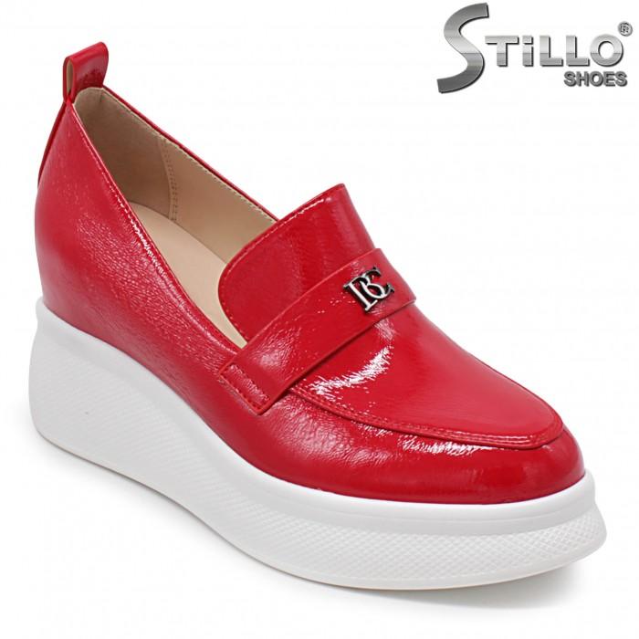 Червени мокасини на бяла платформа - 36301